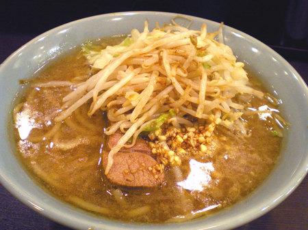 池袋二郎ラーメン麺半分ニンニクカラメ101607