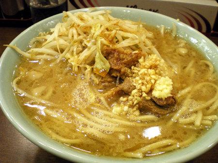 池袋二郎麺半分ニンニクカラメ092507